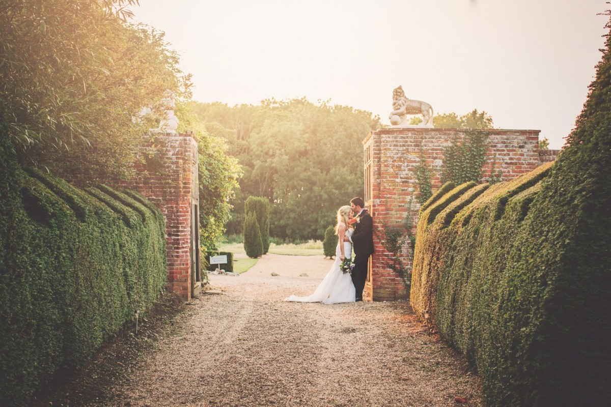 Hales Hall and The Great Barn   Historic wedding venue in ...